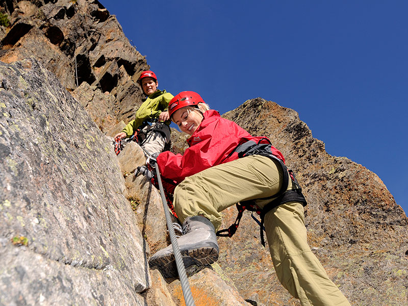 Stubai Klettersteigset : Stubai klettergurt stella xs m verstellbar klettersteig alpintech